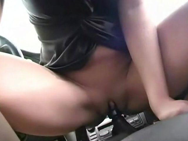 Teen Masturbates Before Bed