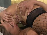 Roommates get chummy