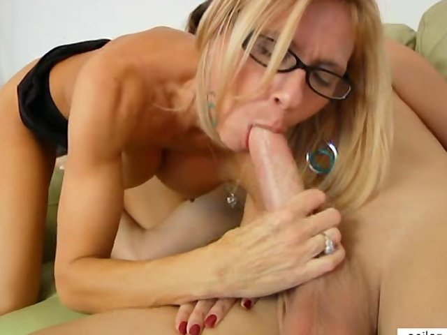 video hardcore busty milf loves taste cock