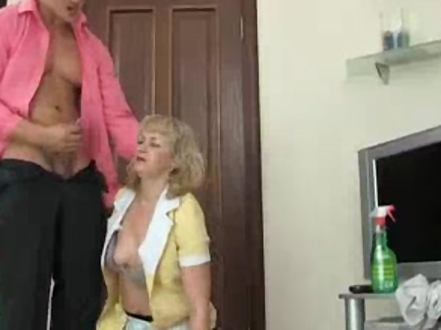 Mature Adult Woman video: Anal sex with adult woman part 13