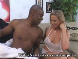 Mommy&#039;s Big Orgasm From Black Lover