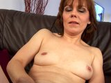 Middleaged Mylene masturb...