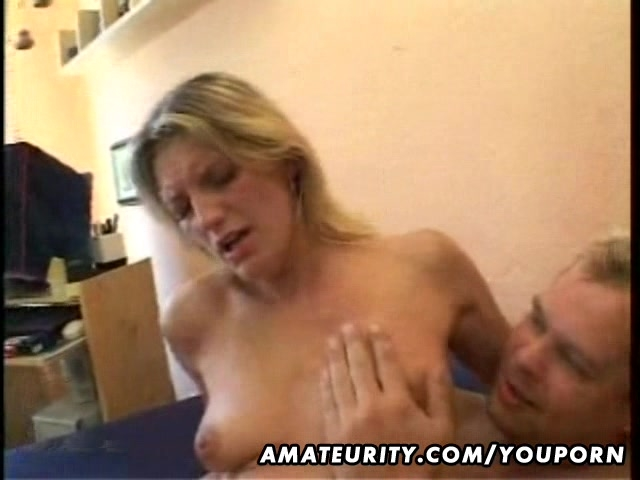 Porno Video of Blonde Amateur Girlfriend Sucks And Fucks With Cumshot