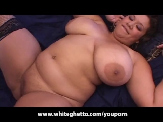 Chubby milf lia shayde sucks and tittie fucks a lucky geek 5