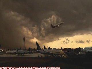 Celeb Celebrities Celebrity video: Nadine Velazquez - Flight