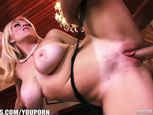 Livegonzo bridgette b busty babe enjoying sex 7
