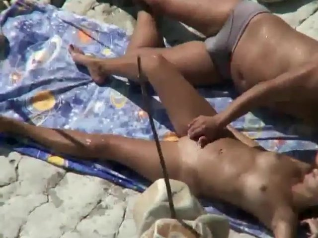 premium massagen porn on the beach