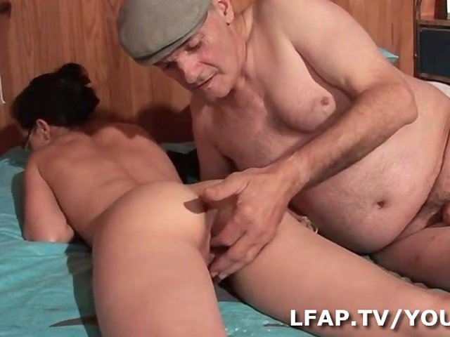 video sexe violent jeune et jolie sex scene