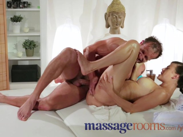 body massage and squirting orgasms текст субтитры