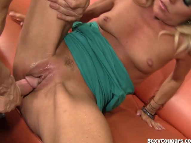 Super hot milf banged out quickly thought))))