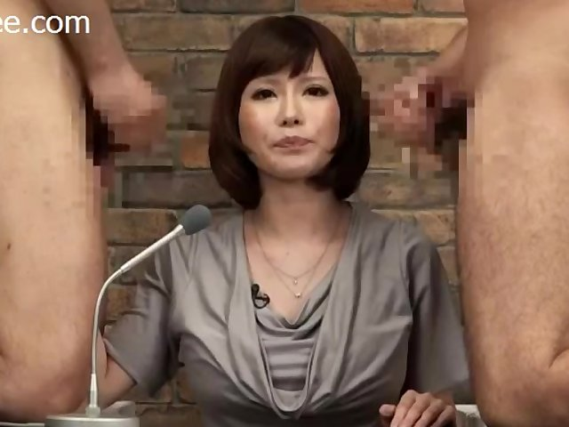 Merilyn sakova masturbates in bar 2