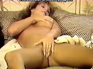 Vintage Classic video: videos of slutty women wearing retro lingerie sex