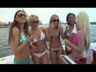 Pussyrubbing Oilmassage video: Girls, Oil, And a boat with dildos