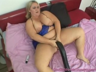 Bbw Tits Boobs video: bbw girls in action