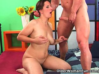 Milf Mature Mom video: Mature soccer mom squirts her juice and unloads a cock