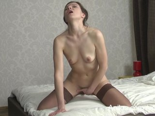 Porno video: Hairy mom pussy cums on a dildo