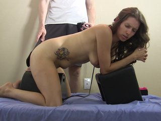 Porno video: She gets spanked & anal plugged on Sybian & cums HARD