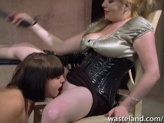 Domination Slave Kinky vid: Female sex slave is whipped by her dominatrix