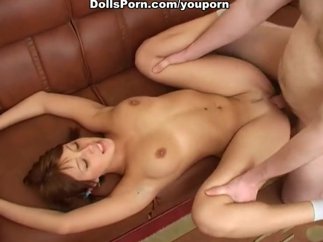 Pretty babe in hot deep throat porno