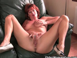 Milfs Milf Mature vid: British milfs with fuckable fannies