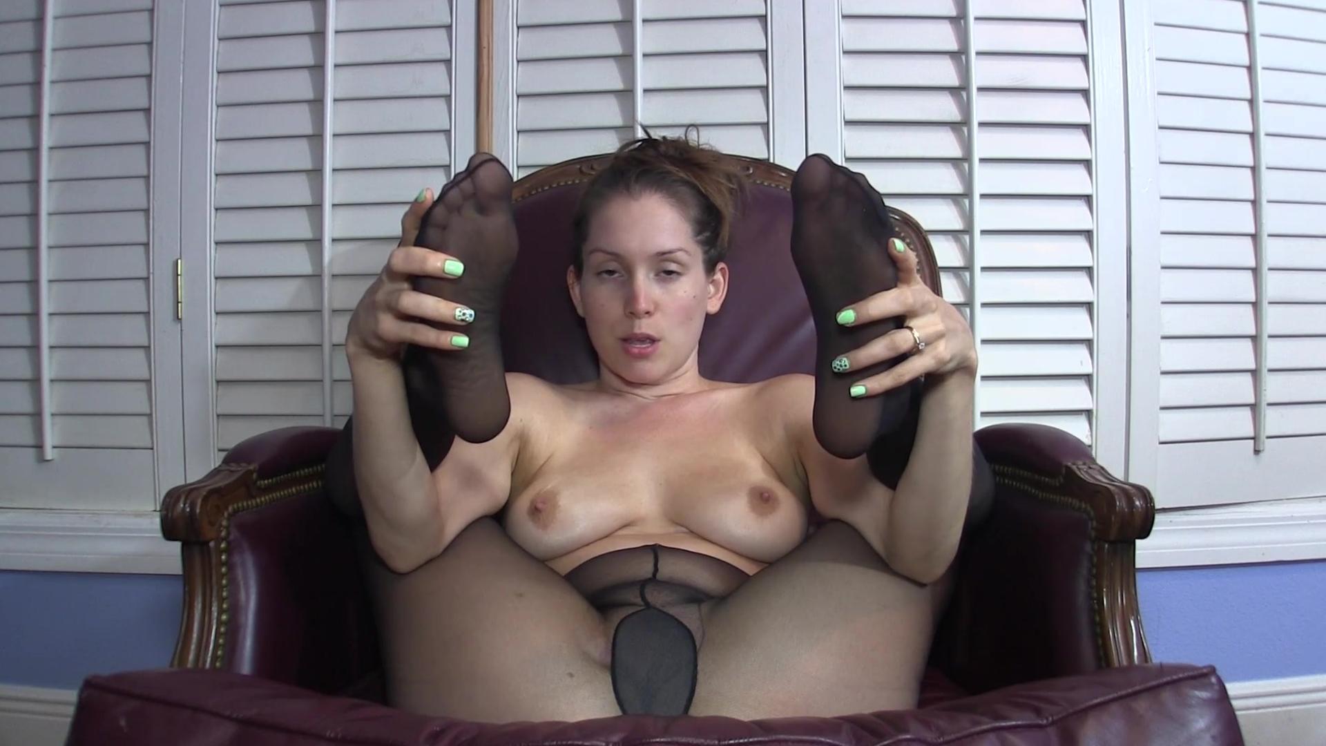 Смотреть онлайн мастурбация колготки 22 фотография