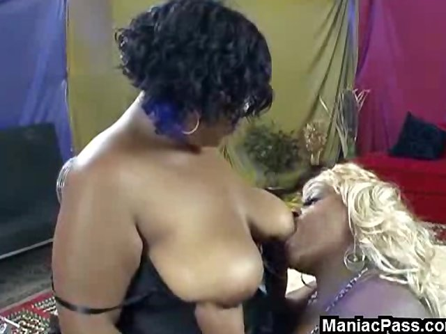 Dildo Ebony Interracial video: Huge black & white girlfriends