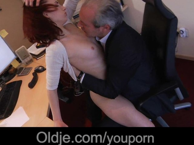 Question Completely drunk mature boss fucks his secretary visible, not