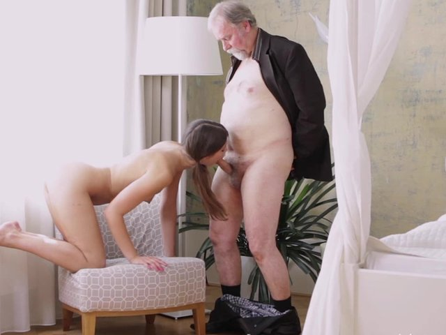 Sexy hot women hardcore pics with old men