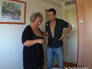 Bbw French Stockings video: French mature Carole analfucked in stockings