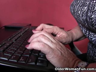 Grandma Granny Pantyhose video: Office grannies in pantyhose need to get off
