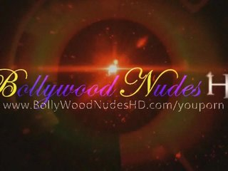Brunettes Softcore Indian video: Indian Cougar