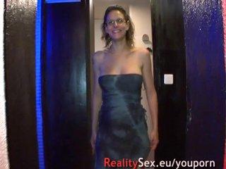 French Voyeur Teen video: GB dans une cave pour une femme enceinte aux seins énormes.