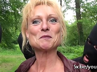 Amateur French Outdoor vid: French mature Mendy gangbanged