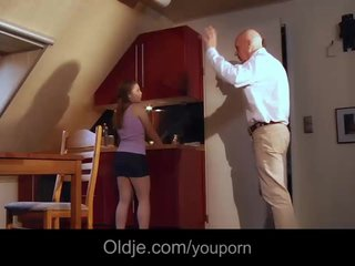 Facial Doggystyle porno: Bald bussines oldman fucks his young spoiled girlfriend