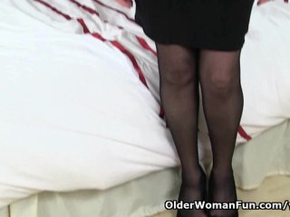 Mature Granny Mom video: British granny Pearl is notorious for her high sex drive